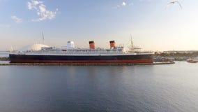 ΛΟΝΓΚ ΜΠΙΤΣ, ΑΣΒΈΣΤΙΟ - 1 ΑΥΓΟΎΣΤΟΥ 2017: Το RMS βασίλισσα Mary είναι το ωκεάνιο lin Στοκ εικόνες με δικαίωμα ελεύθερης χρήσης