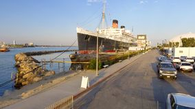ΛΟΝΓΚ ΜΠΙΤΣ, ΑΣΒΈΣΤΙΟ - 1 ΑΥΓΟΎΣΤΟΥ 2017: Το RMS βασίλισσα Mary είναι το ωκεάνιο lin Στοκ Εικόνες