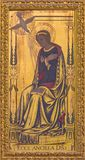 Λονδίνο - η Virgin Mary ως σωστό μέρος Annunciation της ζωγραφικής στο ξύλο στο βωμό στην εκκλησία ST επιεικές ` s Στοκ Φωτογραφία