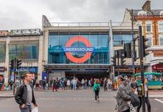 Λονδίνο, UK - 15 Ιουνίου 2019 - είσοδος στον υπόγειο σταθμό Brixton στη γραμμή Βικτώριας στοκ εικόνες με δικαίωμα ελεύθερης χρήσης