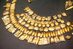ΛΟΝΔΙΝΟ, UK, ΒΡΕΤΑΝΙΚΌ ΜΟΥΣΕΊΟ Ελληνικά κοσμήματα από την ηλικία χαλκού Grrek 3200-1100 Π.Χ. Στοκ Εικόνες