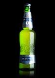 ΛΟΝΔΙΝΟ, UK - 15 ΜΑΐΟΥ 2017: Ένα μπουκάλι της μπύρας ξανθού γερμανικού ζύού Baltika αριθμός επτά στο λευκό Το Baltika είναι το δε Στοκ φωτογραφία με δικαίωμα ελεύθερης χρήσης