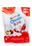 ΛΟΝΔΙΝΟ, UK - 17 Νοεμβρίου 2017: Καλύτερη σοκολάτα bons στο λευκό Οι καλύτεροι φραγμοί παράγονται από Ferrero που ιδρύεται το 194 Στοκ Φωτογραφίες