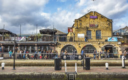 ΛΟΝΔΙΝΟ, UK - 2016 02 19 : Πόλη του Κάμντεν αγορά του Λονδίνου, Κάμντεν Στοκ φωτογραφία με δικαίωμα ελεύθερης χρήσης