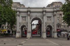 Λονδίνο, Αγγλία - 18 Ιουνίου 2016: Καταπληκτική άποψη της μαρμάρινης αψίδας, Λονδίνο Στοκ Εικόνες