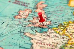 Λονδίνο, Μεγάλη Βρετανία, U Κ καρφωμένος στον εκλεκτής ποιότητας χάρτη της Ευρώπης Στοκ Φωτογραφίες