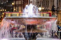 Λονδίνο, πηγή στη πλατεία Τραφάλγκαρ Στοκ εικόνες με δικαίωμα ελεύθερης χρήσης
