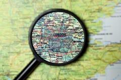 Λονδίνο που ενισχύεται σε έναν χάρτη στοκ εικόνα με δικαίωμα ελεύθερης χρήσης