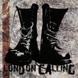 Λονδίνο που καλεί τις μπότες Grunge στοκ φωτογραφία