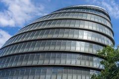 ΛΟΝΔΙΝΟ, UK - 22 ΑΥΓΟΎΣΤΟΥ: Άποψη του Δημαρχείου στο Λονδίνο στις 2 Αυγούστου Στοκ φωτογραφία με δικαίωμα ελεύθερης χρήσης