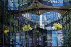 ΛΟΝΔΙΝΟ, UK - 22 ΑΥΓΟΎΣΤΟΥ: Σύγχρονη αρχιτεκτονική στην πόλη Lond Στοκ εικόνα με δικαίωμα ελεύθερης χρήσης