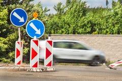 Λοξοδρόμηση στο δρόμο 133 διαθέσιμα eps κομμάτια μορφής υπογράφουν την κυκλοφορία Επισκευή του δρόμου ασφάλτου Στοκ Εικόνα
