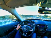 Λος Άντζελες, Καλιφόρνια, ΗΠΑ, άτομο του 15/04/2019 που οδηγεί ένα αυτοκίνητο στην Αμερική στοκ εικόνες