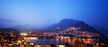 Λουγκάνο τη νύχτα, Ελβετία. Στοκ Εικόνες