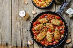 Λουκάνικα κρέατος με τις ντομάτες Στοκ Εικόνες
