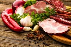 Λουκάνικο και κρέας στοκ φωτογραφίες