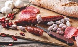 Λουκάνικο και ψωμί Στοκ φωτογραφία με δικαίωμα ελεύθερης χρήσης