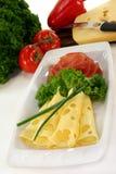 λουκάνικο πιάτων τυριών Στοκ φωτογραφία με δικαίωμα ελεύθερης χρήσης