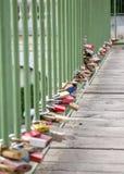 Λουκέτα αγάπης στη γέφυρα Στοκ εικόνες με δικαίωμα ελεύθερης χρήσης