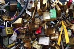 Λουκέτα στα αρθ. 11 LE Pont des Στοκ Φωτογραφία
