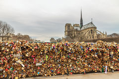 Λουκέτα στη Notre-Dame Στοκ Εικόνες