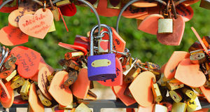 Λουκέτο που κλειδώνει Στοκ φωτογραφία με δικαίωμα ελεύθερης χρήσης