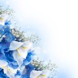 Λουλούδια σε μια ανθοδέσμη, μπλε hydrangeas Στοκ Εικόνες