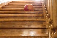 Λουστραρισμένο με λάκκα ξύλο φως επάνω το στάδιο Στοκ Εικόνα
