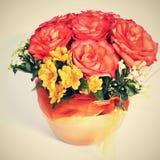 Λουλούδια σε ένα δοχείο Στοκ εικόνα με δικαίωμα ελεύθερης χρήσης