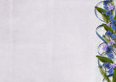 Λουλούδια στο παλαιό υπόβαθρο - σύνορα forget-me-not Στοκ φωτογραφία με δικαίωμα ελεύθερης χρήσης