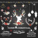 Λουλούδια Χριστουγέννων πινάκων κιμωλίας, ελάφια, αγροτικά Χριστούγεννα, στεφάνι, διακοσμήσεις Χριστουγέννων Στοκ Εικόνα