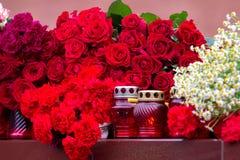Λουλούδια ως σημάδι του πένθους για τους νεκρούς Στοκ Εικόνα