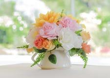 Λουλούδι ανθοδεσμών στο βάζο στοκ εικόνες με δικαίωμα ελεύθερης χρήσης