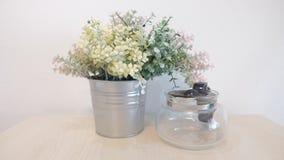 Λουλούδι στον κάδο Στοκ φωτογραφία με δικαίωμα ελεύθερης χρήσης