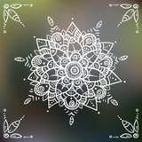 Λουλούδι Mandala στο θολωμένο υπόβαθρο διανυσματική απεικόνιση