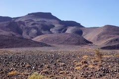 Λοφώδης, δύσκολη έρημος στο κεντρικό Μαρόκο στοκ φωτογραφίες
