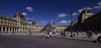Λούβρο στο Παρίσι Στοκ Εικόνα
