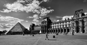 Λούβρο στο Παρίσι Στοκ Φωτογραφία
