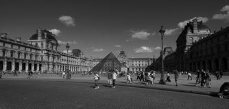 Λούβρο στο Παρίσι Στοκ φωτογραφία με δικαίωμα ελεύθερης χρήσης