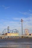 Λούνα παρκ και παραλία αποβαθρών ευχαρίστησης στο Κόλπο της ακτής του Μεξικού σε Galveston Στοκ Φωτογραφία