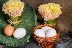 λυγαριά αυγών Πάσχας καλ&a στοκ φωτογραφία