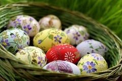 λυγαριά αυγών Πάσχας καλ&a Στοκ Φωτογραφίες