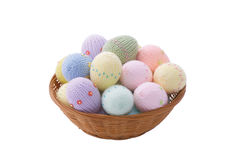 λυγαριά αυγών Πάσχας κύπελλων Στοκ εικόνα με δικαίωμα ελεύθερης χρήσης