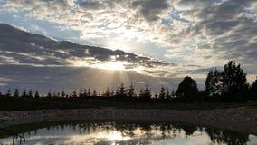 Λυκόφως βραδιού - νεφελώδης ουρανός Στοκ εικόνα με δικαίωμα ελεύθερης χρήσης