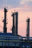 Λυκόφως εργοστασίου πετροχημικών Στοκ Εικόνα