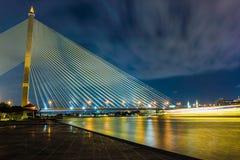 Λυκόφως Μπανγκόκ Rama VIII γέφυρα Στοκ Φωτογραφίες