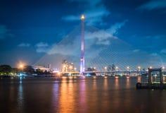 Λυκόφως Rama 8 γέφυρα, το διάσημο ορόσημο στη Μπανγκόκ, Thail Στοκ φωτογραφίες με δικαίωμα ελεύθερης χρήσης