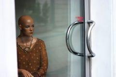 Λυπημένη γυναίκα μανεκέν Στοκ Φωτογραφίες