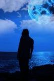 Λυπημένη γυναίκα με τα μπλε στοκ φωτογραφίες με δικαίωμα ελεύθερης χρήσης