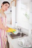 λυπημένη γυναίκα πλύσης πιά& Στοκ Εικόνες